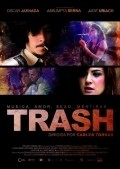 Trash is similar to El cerco del diablo.
